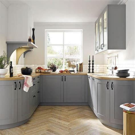 curved kitchen cabinets 10 ways to make your small kitchen look bigger