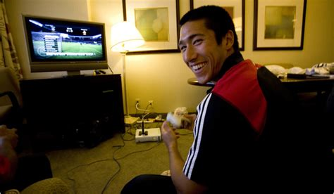 pro athletes bring video games   regimen
