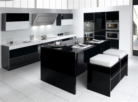 cuisine 駲uip馥 noir et blanc noir et blanc habillent la cuisine d 233 coration