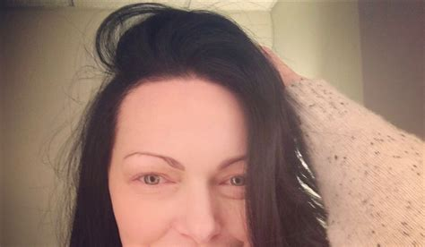 did laura mauro cut her hair pic laura prepon chopped off her hair see her short do
