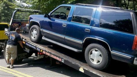 How Much To Get Car Towed To A Garage by Hiring The Right Tow Truck After A Car Or