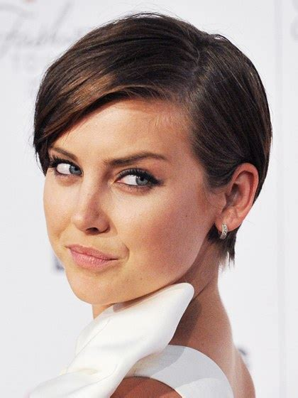 hair styles diamond shape older woman the top 8 haircuts for heart shaped faces allure