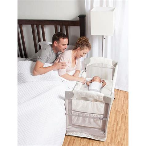 Infant Bedside Sleeper by 25 Best Ideas About Co Sleeper On Baby Co