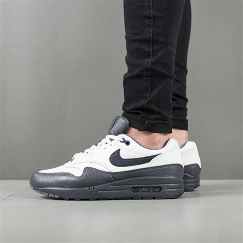 Nike Sneakers 1 s shoes sneakers nike air max 1 premium 875844 100