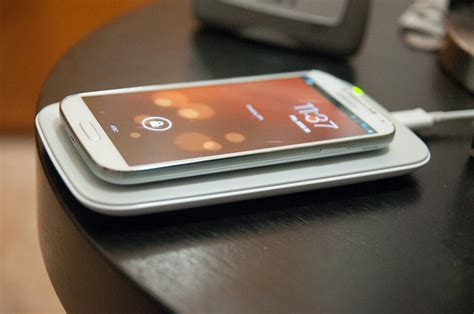 samsung galaxy s charger pad samsung galaxy s 4 qi wireless charging pad and cover