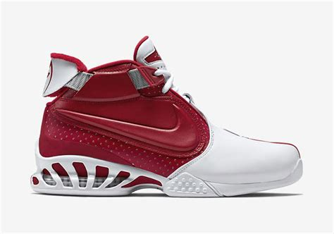 mike vick shoes nike revives signature shoes of one of its most