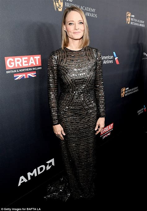 Dress Jodie jodie foster looks half age in burberry dress at