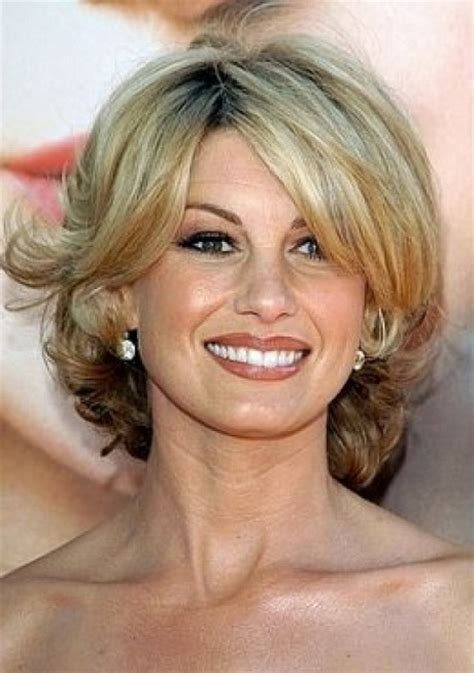 short hair for round faces in their 40s hairstyles 40 plus