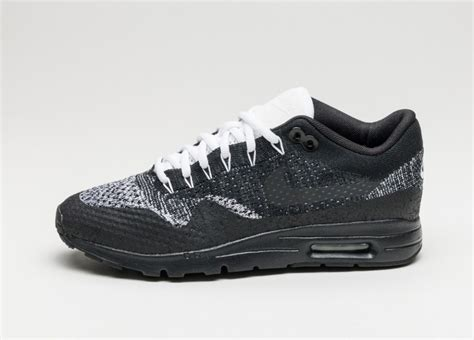 Nike Air Max 1 Ultra Flyknit Black nike wmns air max 1 ultra flyknit black anthracite white metallic silver asphaltgold
