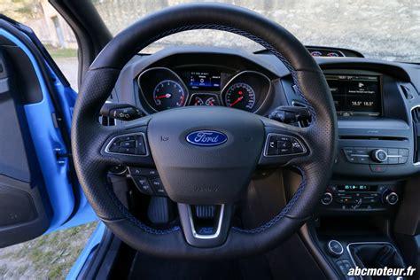 volante ford focus essai ford focus rs la plus des compactes sportives