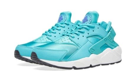 imagenes de nike huarache nike goes retro with their latest huarache sole collector