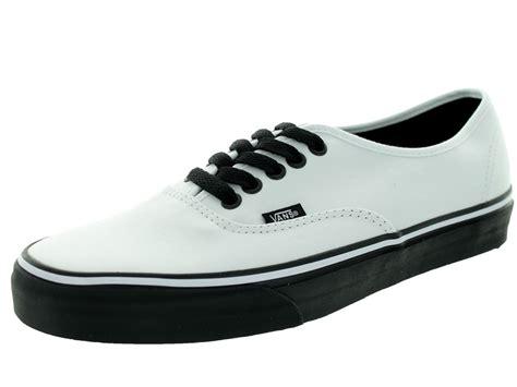 Sepatu Skate Vans Authentic Blacksole vans unisex authentic black sole true white skate shoe 6 5 us 8 us vans