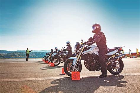 Motorrad Fahrsicherheitstraining Hof by Wiederaufsteiger Motorradtraining Des Adac Die Neue Lust