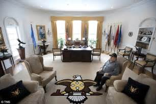 oval office white house native american chief builds replica of white house study daily mail online