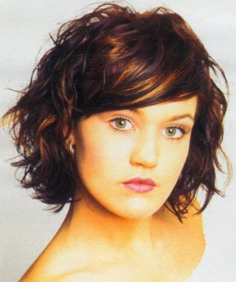 upload picture and place hairstyle over it 40 different versions of curly bob hairstyle bobs curly
