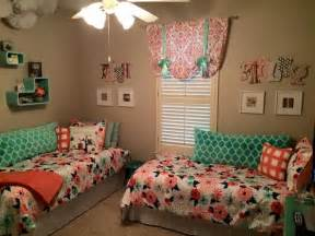 shared boys bedroom ideas best 25 small shared bedroom ideas on shared