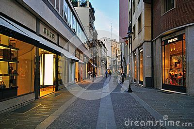 Shopping In October Second City Style Fashion by Luxury Editorial Image Image 34959410