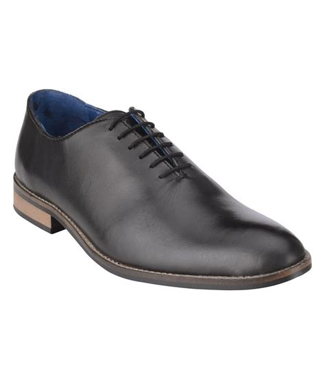 bxxy black single stitched leather shoe price in india