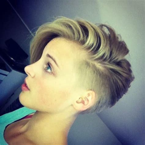 undercut hairstyle for women dark brown hairs