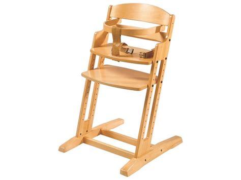 chaise haute en bois bébé conseils pour choisir une chaise 233 volutive pour b 233 b 233