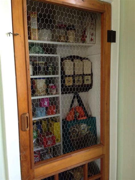 pantry   door   screen door  chicken