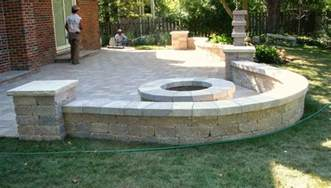 patio pit and sitting wall backyard ideas