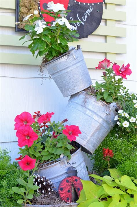 summer topsy turvy planter cottage at the crossroads