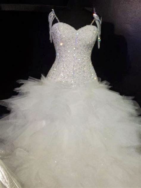 7 Really Expensive Dresses by 24 Best Images About The Worlds Most Expensive Gowns On