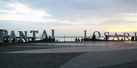 losari beach icon  makassar city  celebes