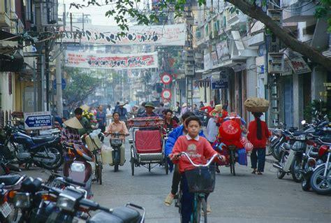 Vietnam Travel Pictures: Hanoi, Halong Bay, Danang, Hue ...