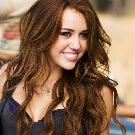 diferent hair highlights for older women brown hair with blonde highlights miley cyrus