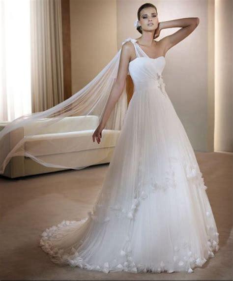 Asymmetric Wedding Dress by Asymmetric One Shoulder Wedding Dresses 2015 Cinefog