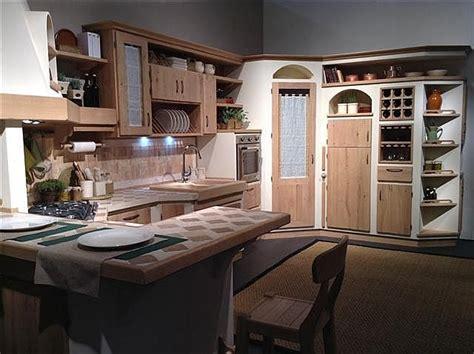 cucina con angolo dispensa oltre 25 fantastiche idee su dispensa ad angolo su