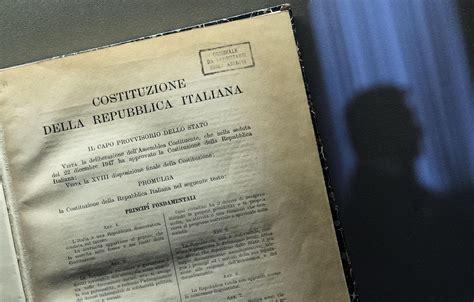 costituzione italiana testo costituzione da gennaio il testo nelle scuole studenti it