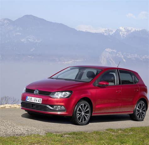 Vw Polo 6r Tieferlegen by Volkswagen Was Der Kleine Polo Dem Gro 223 En Golf Voraus Hat