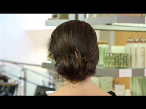 is putting hair in a bun a new fad how to put medium length hair in a bun hair styling tips