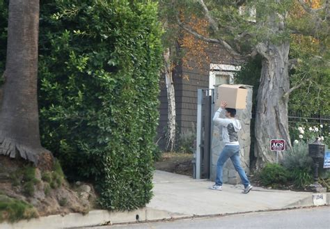 neil patrick harris home neil patrick harris and david burtka move boxes into their