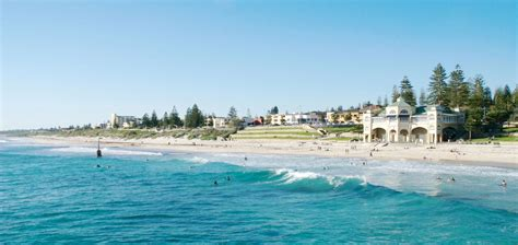 4 Bedroom House by Cottesloe Beach House Stays Short Term Accommodation Perth