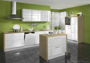 Green Kitchen Walls by Green Kitchen Walls With White Cabinets Images