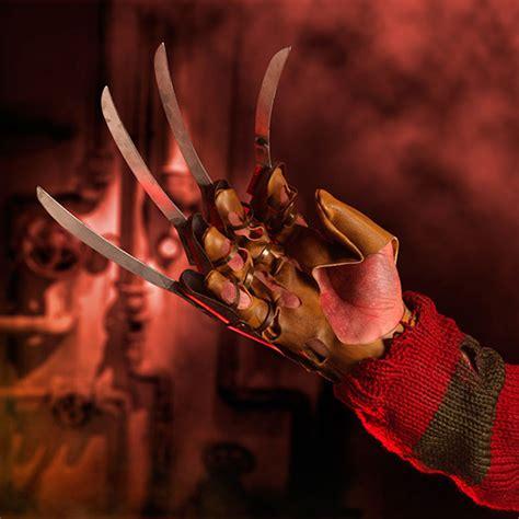 A Nightmare on Elm Street Freddy Krueger Glove Replica   The Green Head