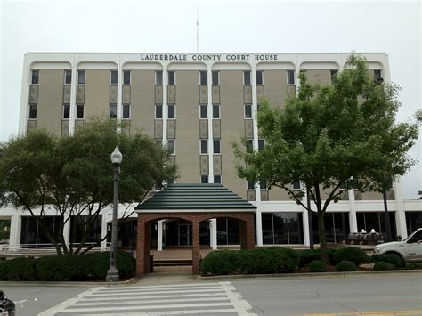 Florence County Court Records Lauderdale County Courthouse In Florence Alabama