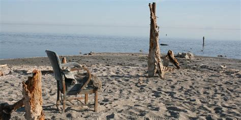 Visiting California's remote Salton Sea   Without Baggage