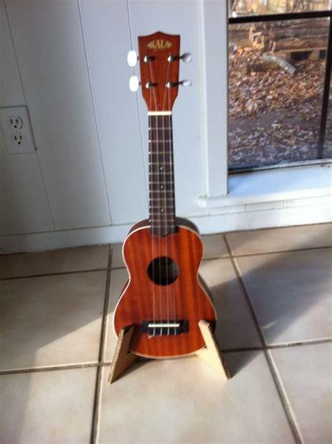 carboard ukulele stand