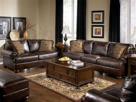 how much furniture to put in a living room 17 best images about living room decorating on grey walls williamsburg and