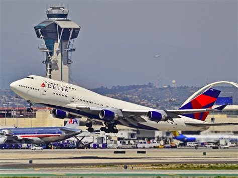 boeing 747 history pictures news boeing 747 jumbo jet ends us airline service here s its