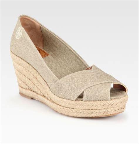 burch filipa metallic linen espadrille wedge sandals
