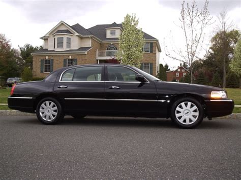 lincoln town car new model lincoln model l town car photos news reviews specs