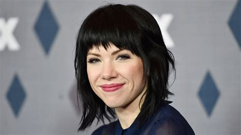 carly rae jepsen looks just like miley cyrus with her new