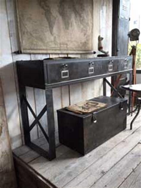 Verriere Salle De Bain 1150 by Comptoirs Agencement De Magasin Au Style Industriel