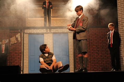 Blood Brothers Gcse Drama Essay by Drama Coursework Blood Brothers Internetupdater Web Fc2